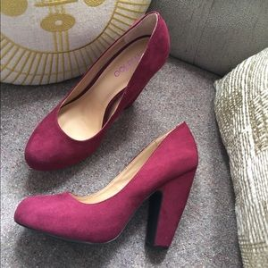 Me Too Burgundy Suede Heels 9